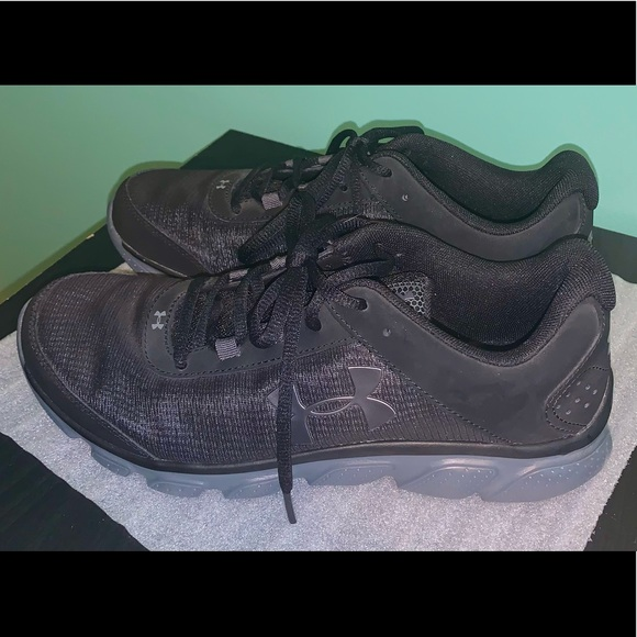 Men's 8.5 Under Armour Sneakers *Brand New*